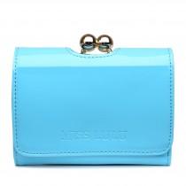 LP1688 - Cartera pequeña de charol Miss Lulu con broche de bolas en azul