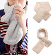 S6428-Damas de mujer con estilo de piel sintética cuello bufanda de felpa caliente mantón de color caqui
